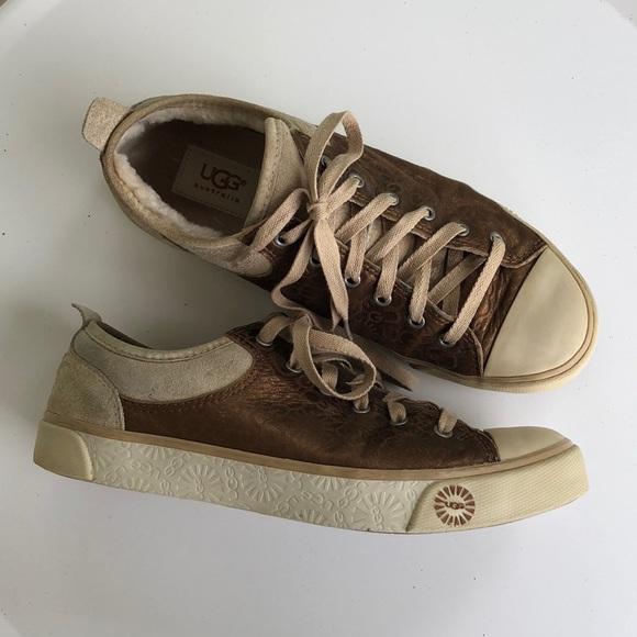 ad9e083b67b UGG Evera Sheepskin shoes